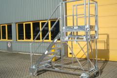 Multifunkcinės laiptinės platformos_Aivenos statybine technika.1