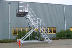 Multifunkcinės laiptinės platformos_Aivenos statybine technika.2