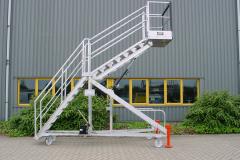 Multifunkcinės laiptinės platformos_Aivenos statybine technika